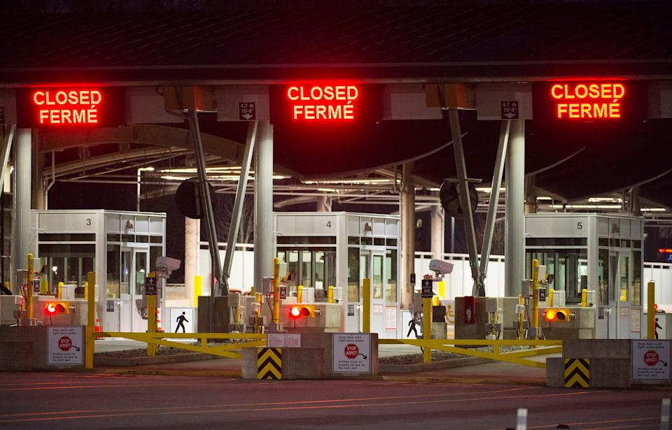 The Canada-U.S. Peace Arch border crossing in B.C. is pictured on March 20, 2020. (Photo: ASSOCIATED PRESS)