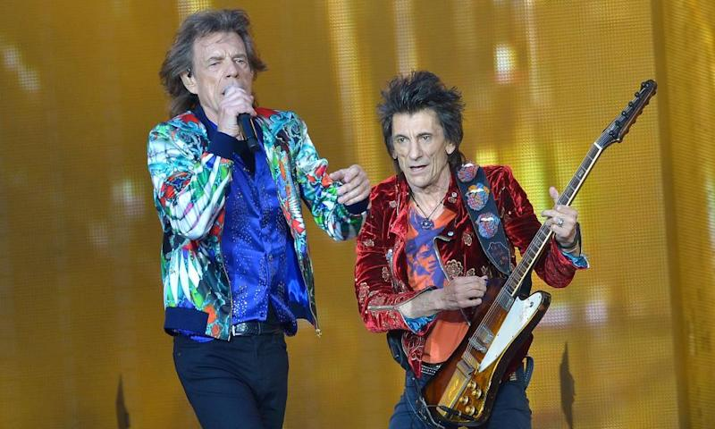 Unlikely to flood the Top 40... (L-R) Mick Jagger and Ronnie Wood of the Rolling Stones performing at Twickenham stadium, 19 June.