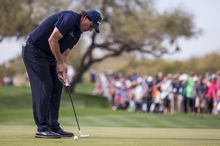Phil Mickelson hits every fairway and starts well at Pebble