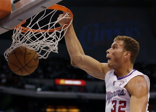 Los Angeles Clippers' Blake Griffin dunks in the first half of an NBA basketball game against the Chicago Bulls in Los Angeles, Saturday, Nov. 17, 2012. (AP Photo/Jae C. Hong)
