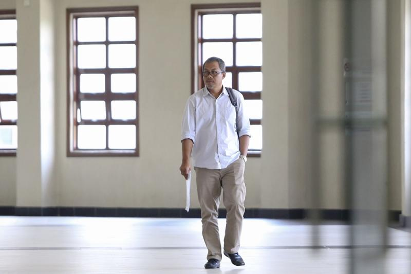 Interior designer Zulkarnain Mohamad of ABS Trend Master Sdn Bhd is pictured at the Kuala Lumpur High Court Complex April 18, 2019. — Picture by Yusof Mat Isa