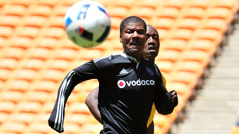 Mamelodi Sundowns will beat Kaizer Chiefs to the PSL title - Orlando Pirates legend Sikhosana