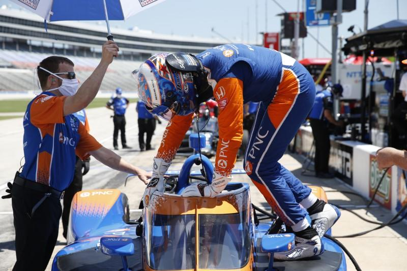 Dixon puts in long day to take win on IndyCar return
