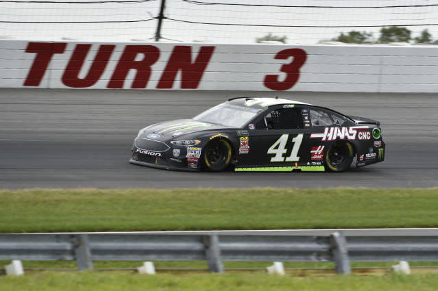 "<a class=""link rapid-noclick-resp"" href=""/nascar/sprint/drivers/156/"" data-ylk=""slk:Kurt Busch"">Kurt Busch</a> in action during a NASCAR Cup Series auto race, Sunday, June 3, 2018, in Long Pond, Pa. (AP Photo/Derik Hamilton)"