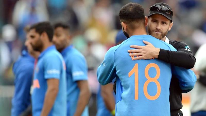 Virat Kohli, Kane Williamson Share a Touching Hug as India Go Down Fighting Against New Zealand in ICC Cricket World Cup 2019 Semi-Final at Manchester