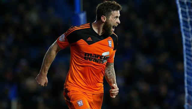 <p>Daryl Murphy hasn't had a chance to shine in the Premier League for many years now, though his initial showing in the top-flight may explain why that is.</p> <br><p>After just three goals for Sunderland in the 2007/08 season, he impressively produced an even worse season the following year as he didn't score a single goal in twenty-three appearances.</p> <br><p>Recently, Murphy has shone for Ipswich in the Championship as he reached double figures in three consecutive seasons, including being the league's top scorer in 2014/15 with twenty-seven goals.</p>
