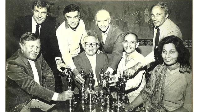 Bhanu Athaiya with the Gandhi film crew, including actor Ben Kingsley and director Richard Attenborough at the 1983 Oscars. Image courtesy Prinseps