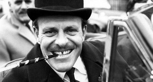 British comedian Terry Thomas arrives at court to answer a charge of driving while under the influence of alcohol in 1958. (AP)