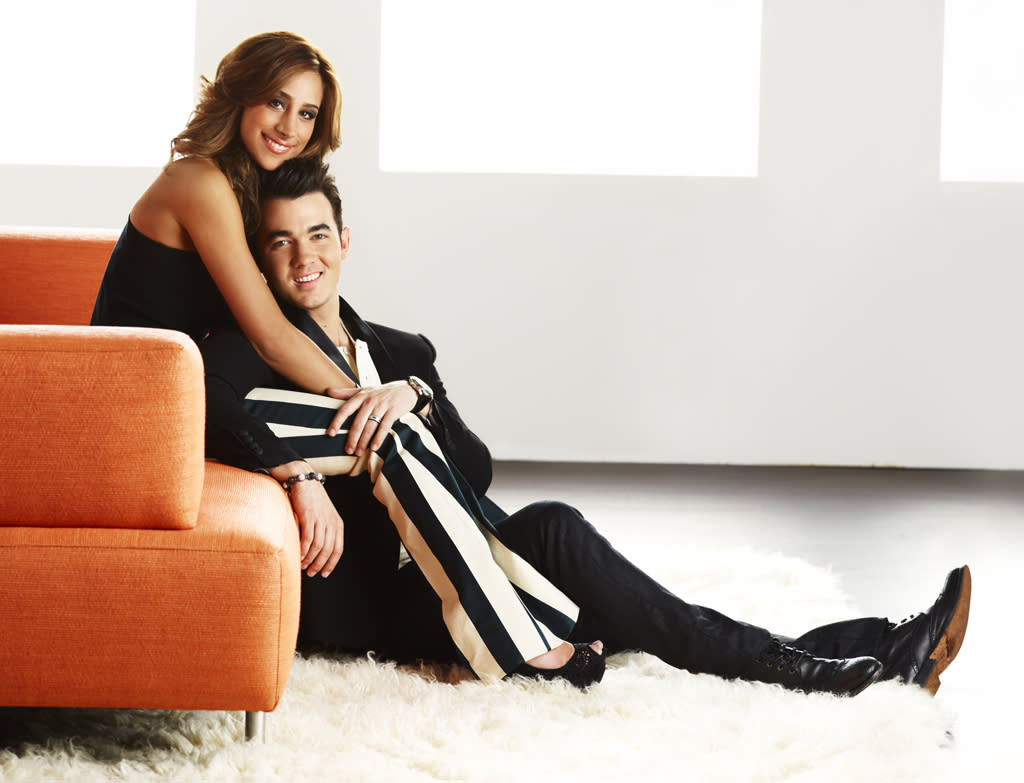 "<p><b>Married to Jonas</b> (Sunday, 8/19 on E!)<br><br> For those who have wondered what it would be like to be married to a Jonas brother, here's the reality show for you. Kevin and Danielle Jonas are being filmed and we get to see how they balance their ""normal"" life with his fame. Well, it can't be worse than ""Giuliana & Bill,"" right? </p>"