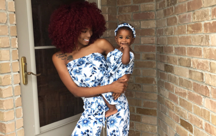 Alexis Brown and her daughter Khloe. (Image via Twitter/@lex_allure)