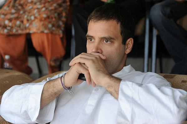<b>2. Rahul Gandhi: </b><br>Heir to the Nehru-Gandhi dynasty, Rahul has the perfect dimples any girl would fall for!