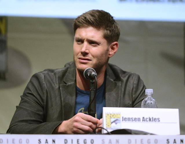 "Jensen Ackles speaks onstage at the ""Supernatural"" panel during Comic-Con International 2013 at San Diego Convention Center on July 21, 2013 in San Diego, California."