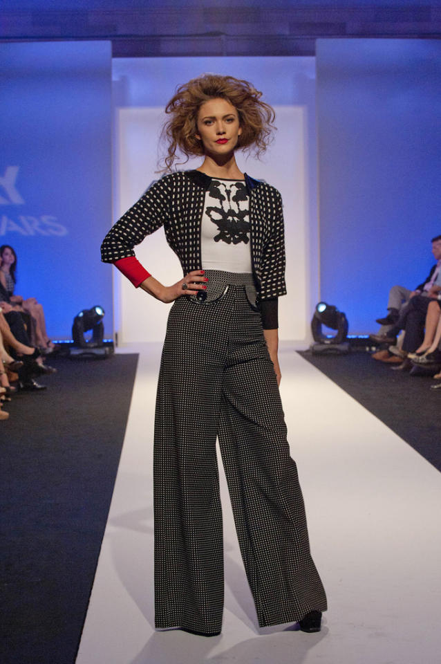 "Mondo Guerra's design for the final challenge of ""<a target=""_blank"" href=""http://tv.yahoo.com/show/36319"">Project Runway All Stars</a>."""