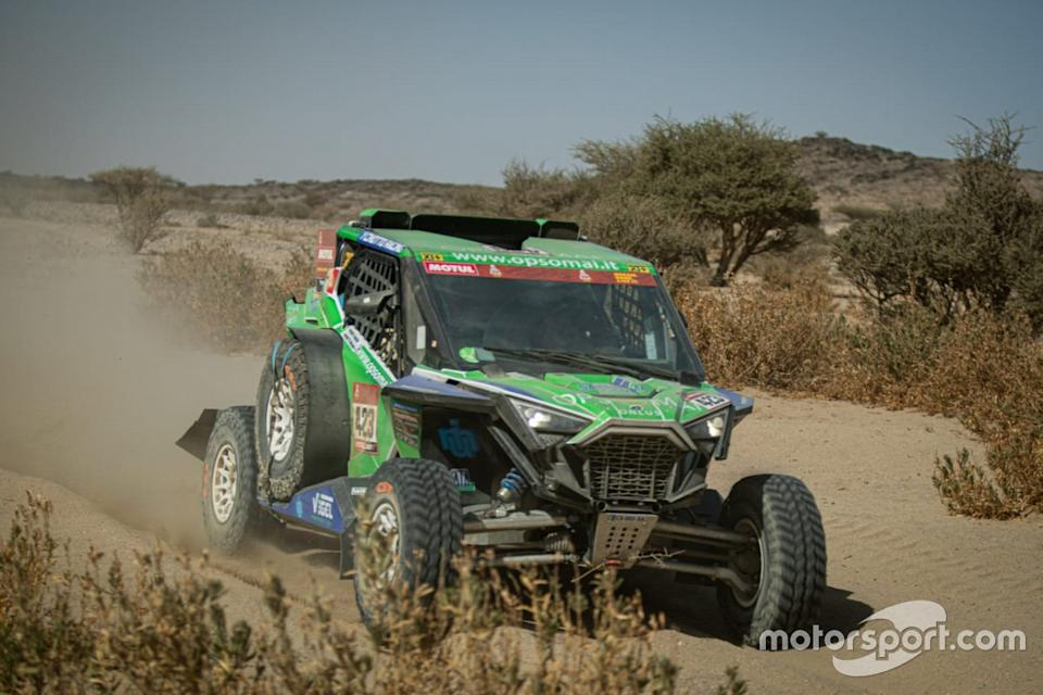 "#423 Xtremeplus Polaris Factory Team: Michele Cinotto<span class=""copyright"">RallyZone </span>"
