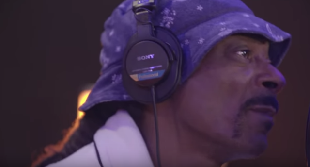 Snoop Dogg is featured in EA Sports' NHL 20 trailer. (Youtube // EA Sports NHL)