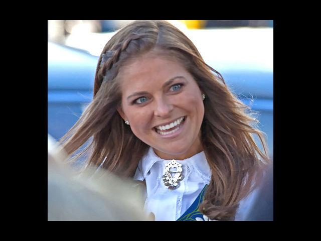<b>6. Princess Madeline of Sweden</b><br> Daughter to King Carl XVI Gustaf and Queen Silvia of Sweden, Princess Madeline exudes off a regal charm. Known for her beaming smile, she was placed 12th on the Forbes 'Hottest Young Royals' list.