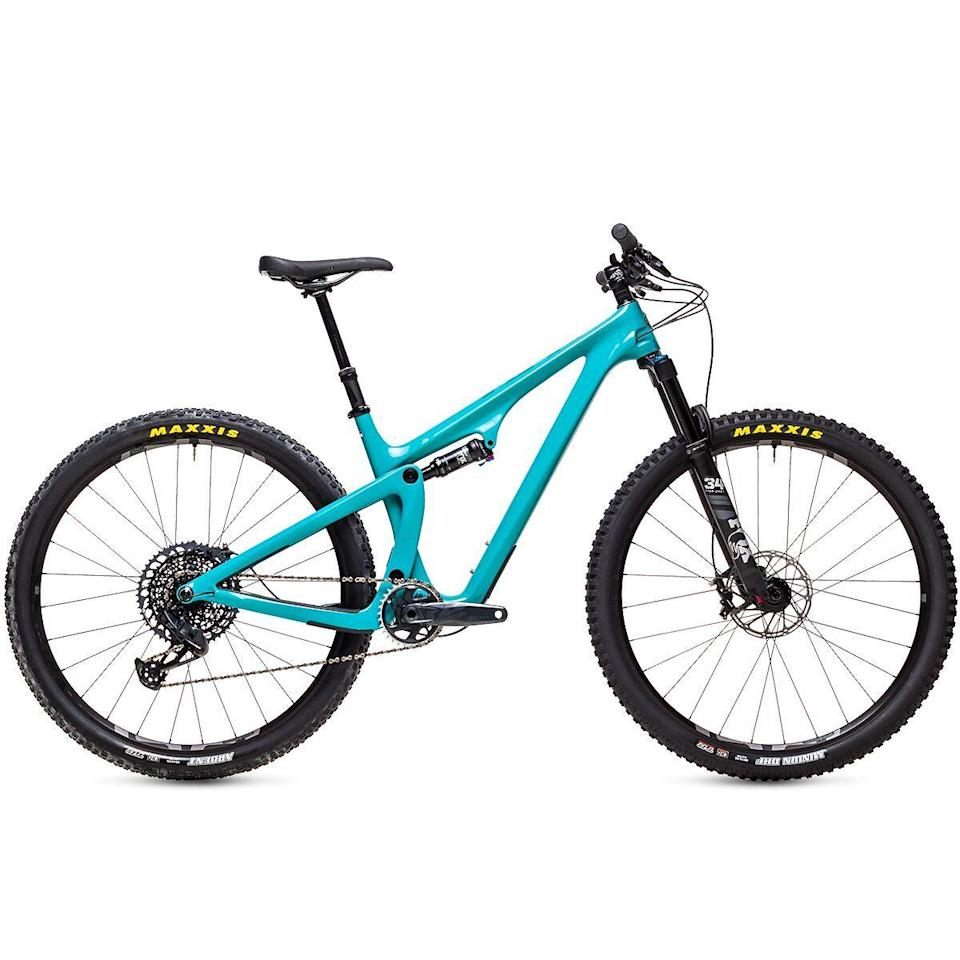 """<p><strong>Yeti Cycles</strong></p><p>backcountry.com</p><p><strong>$4950.00</strong></p><p><a href=""""https://go.redirectingat.com?id=74968X1596630&url=https%3A%2F%2Fwww.backcountry.com%2Fyeti-cycles-sb100-c-series-gx-eagle-mountain-bike&sref=https%3A%2F%2Fwww.bicycling.com%2Fbikes-gear%2Fg36887934%2F4th-of-july-sales-on-cycling-gear%2F"""" rel=""""nofollow noopener"""" target=""""_blank"""" data-ylk=""""slk:Shop Now"""" class=""""link rapid-noclick-resp"""">Shop Now</a></p><p>As part of Backcountry's <a href=""""https://go.redirectingat.com?id=74968X1596630&url=https%3A%2F%2Fwww.backcountry.com%2Frc%2Fshop-all-sale%3Frp%3DonsaleUS%253Atrue%26p%3Dgroup_id%253Abc-bike%26page%3D0%26nf%3D1%26pagesize%3D42&sref=https%3A%2F%2Fwww.bicycling.com%2Fbikes-gear%2Fg36887934%2F4th-of-july-sales-on-cycling-gear%2F"""" rel=""""nofollow noopener"""" target=""""_blank"""" data-ylk=""""slk:4th of July sale"""" class=""""link rapid-noclick-resp"""">4th of July sale</a>, this Yeti Cycles mountain bike is 10% off. A bonus: Its carbon frame is covered under a lifetime warranty.</p>"""