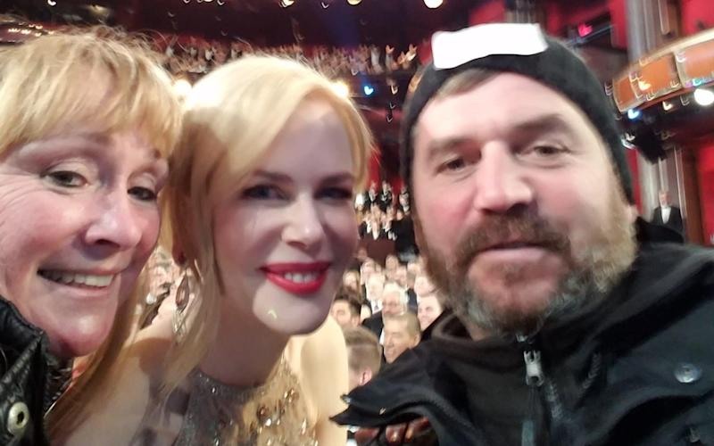 Pete Hobden and Shelly Wozencroft took selfies with A-listers including Nicole Kidman - © Hobden / Wozencroft / SWNS