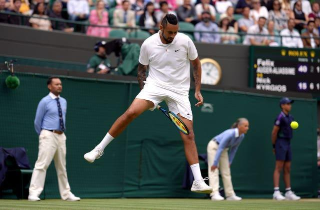 Nick Kyrgios doing Nick Kyrgios things before having to retire injured in the third round against Felix Auger-Aliassime