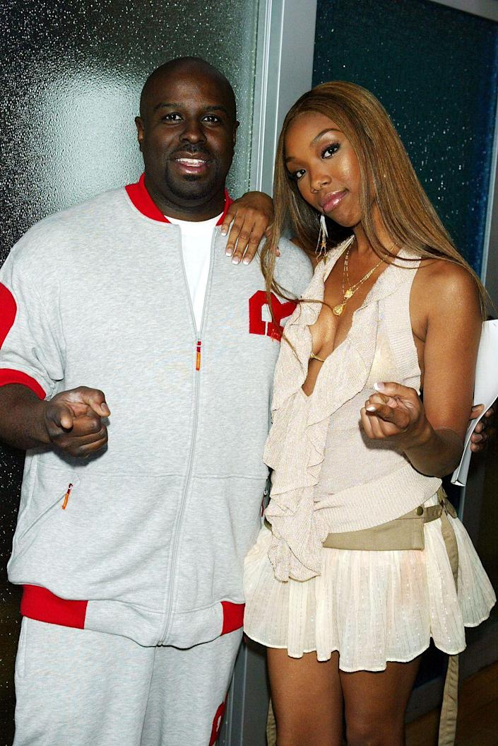 <p>Funkmaster Flex did some work with MTV back in the olden days, but you probably remember him best for his car show <em>Funk Flex Full Throttle</em> in 2010. Either way, here he is with Brandy on TRL 😍.</p>
