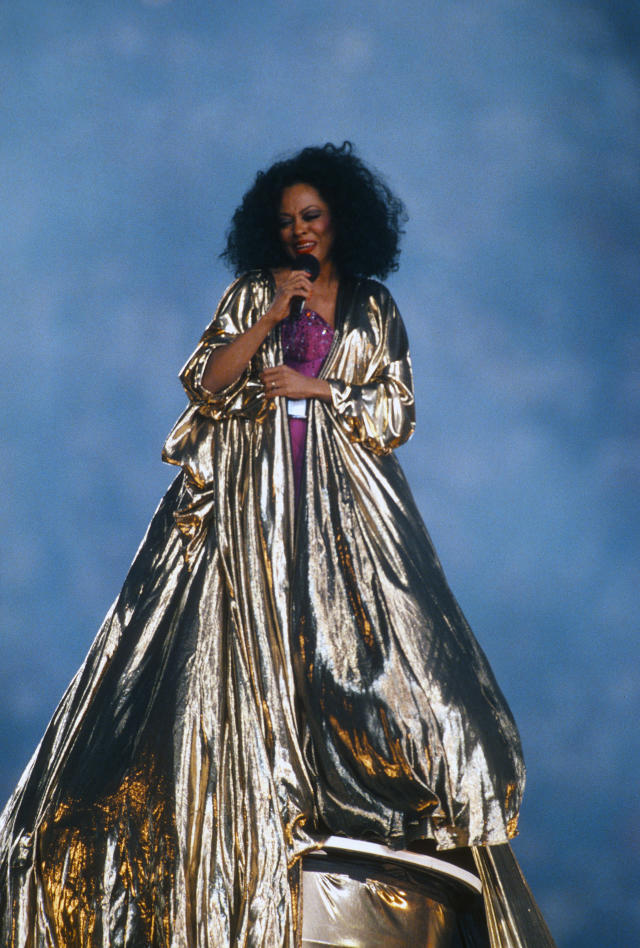 Diana Ross preforms during haft time of Super Bowl XXX between the Dallas Cowboys and Pittsburgh Steelers on January 28, 1996 at Sun Devil Stadium in Tempe, Arizona. The Cowboys won the Super Bowl 27-17. (Photo by Focus on Sport/Getty Images)
