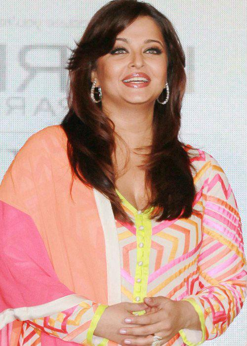 <b>Aishwarya Rai: (Artificial eyebrows)</b><br> The Bachchan bahu has scanty eyebrows, which has become very evident with the wide gap between her eyelashes and her brows. There is so much missing underneath that her eyebrows have become shapeless.