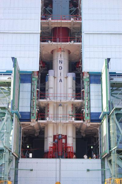 Motor, thruster and main body assembled. This is one of the largest solid propellant boosters in the world.
