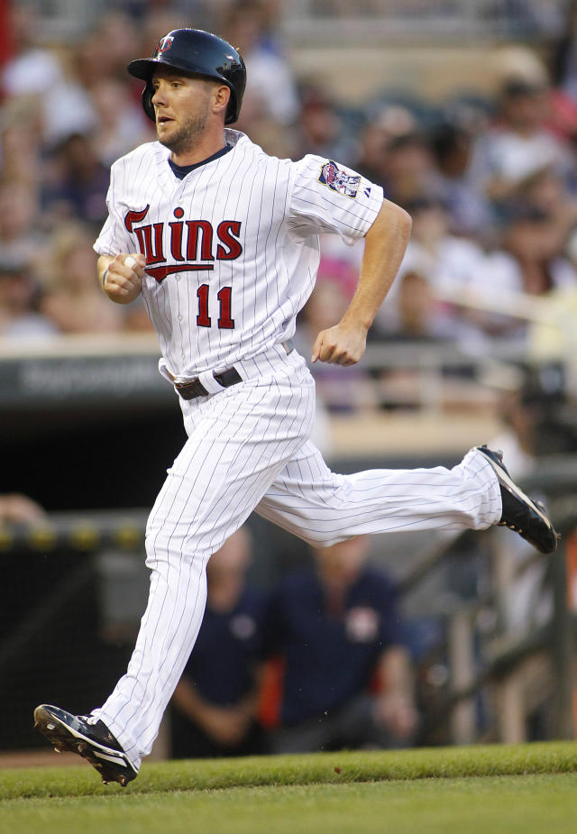 Dozier's single in 13th lifts Twins over Astros