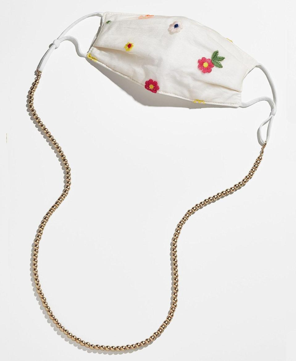 """If you're not into gold chain links, try a classic beaded chain that'll make any of your face coverings pop. $18, Baublebar. <a href=""""https://www.baublebar.com/product/50563-convertible-mask-chain"""" rel=""""nofollow noopener"""" target=""""_blank"""" data-ylk=""""slk:Get it now!"""" class=""""link rapid-noclick-resp"""">Get it now!</a>"""