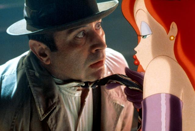 Jessica gets up close and personal with Eddie in <em>Who Framed Roger Rabbit.</em> (Photo: Buena Vista/courtesy of Everett Collection)