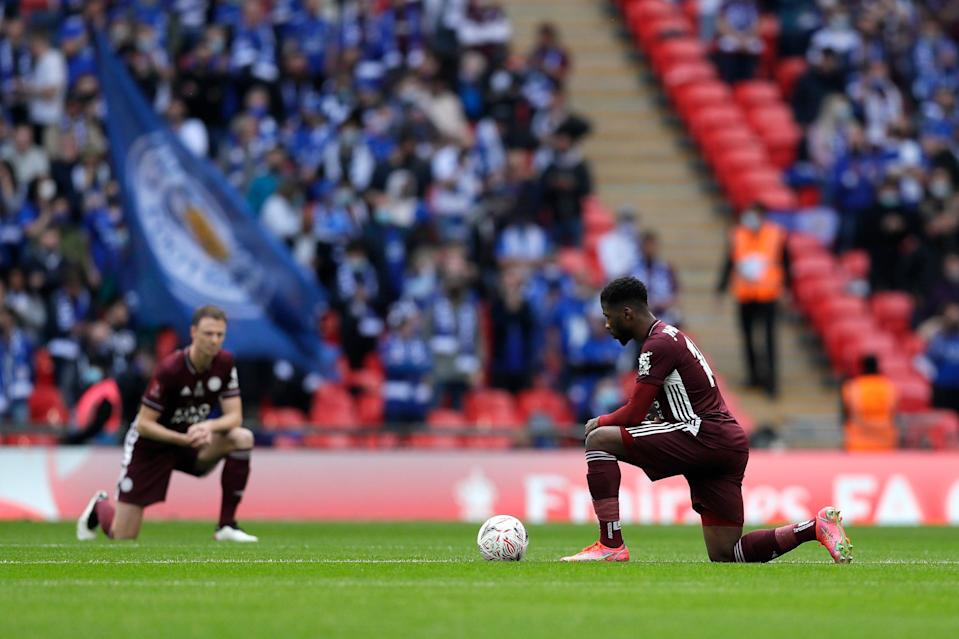 Leicester's Kelechi Iheanacho takes the knee (Getty Images)