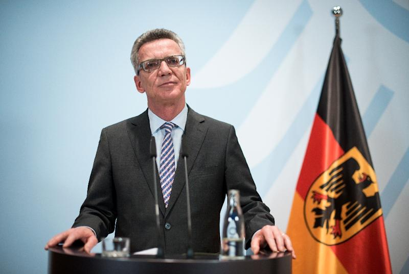 German Interior Minister Thomas de Maiziere speaks during a press conferene on the migrant crisis on October 28, 2015 in Berlin (AFP Photo/Bernd Von Jutrczenka)