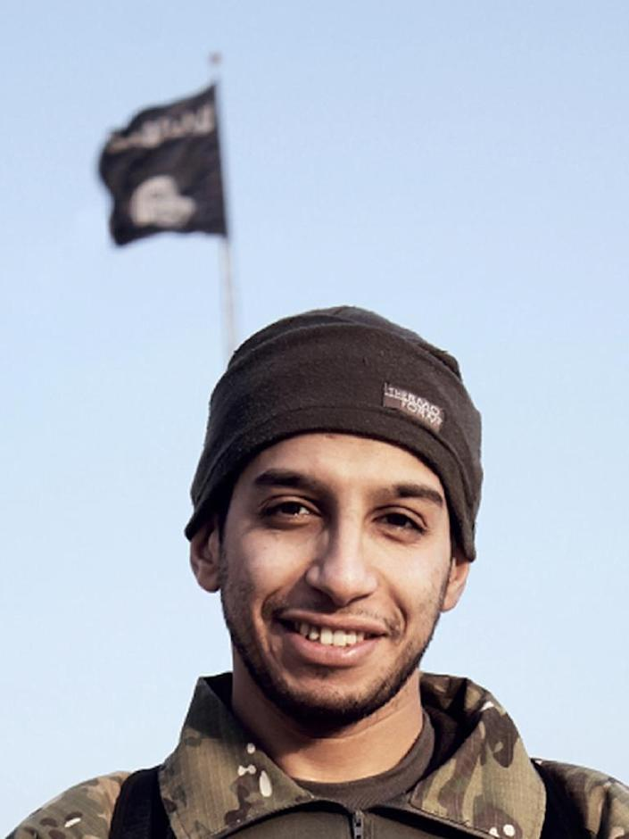 This IS photo purportedly shows Abdelhamid Abaaoud, suspected of coordinating the 2015 Paris attacks (AFP Photo/-)