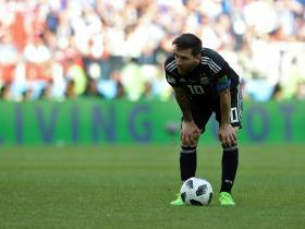 World Cup 2018: Jorge Sampaoli warns Argentina fans to stop making Lionel Messi 'the guilty one' after penalty miss