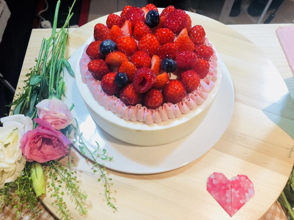Japanese confectionery brand, Châteraisé, launches eight new cakes for Mother's Day, along with the brand's first-ever customizable cake. (PHOTO: Wenting/ Yahoo Lifestyle Singapore)