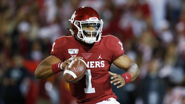 What is Jalen Hurts' role in Philadelphia next to Carson Wentz? (AP Photo/Sue Ogrocki)