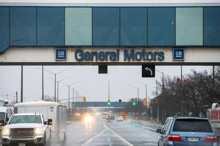 Workers at Lear plant supplying GM Oshawa walk off job