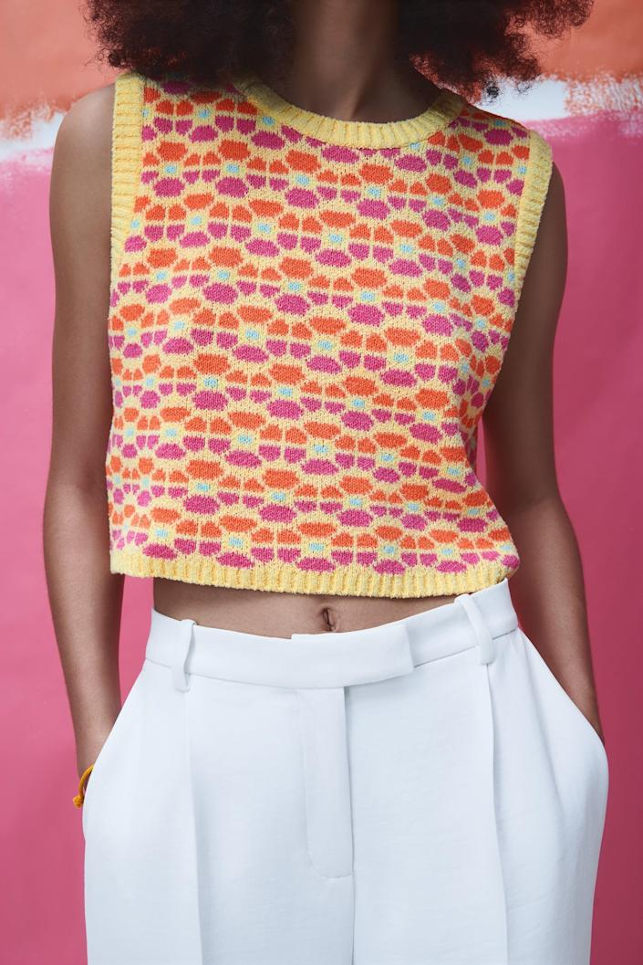 <p>The print on this <span>Zara Floral Knit Top</span> ($26) is serving a '60s vibe.</p>