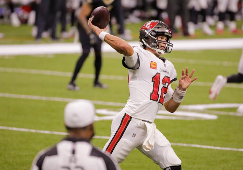 Experts heavily favoring Buccaneers over Panthers this week