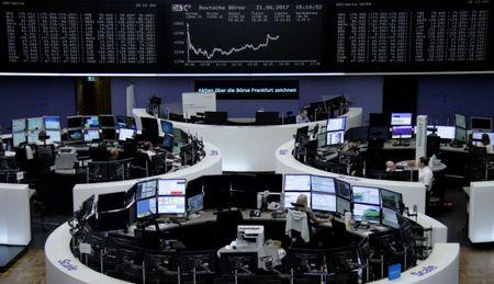 European stocks face third straight loss as oil shares slump