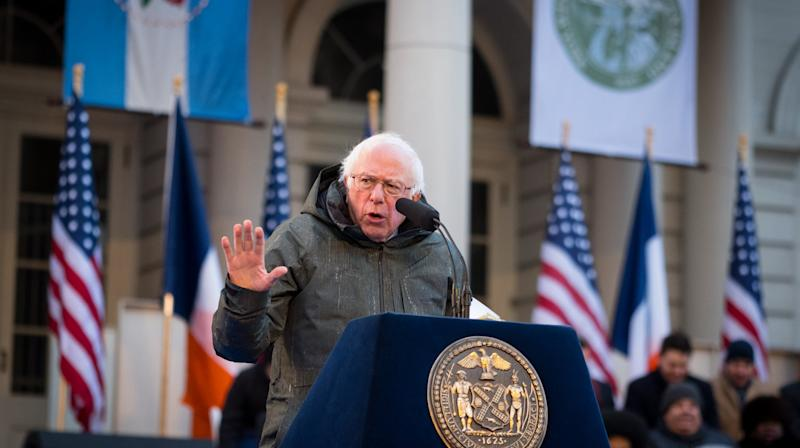 NEW YORK ― At a ceremony to swear in New York City Mayor Bill de Blasio for his second term, Sen. Bernie Sanders (I-Vt.) held up his hometown as a bastion of progress and a template for what Americans should strive for in the face of the Trump administration's policies.