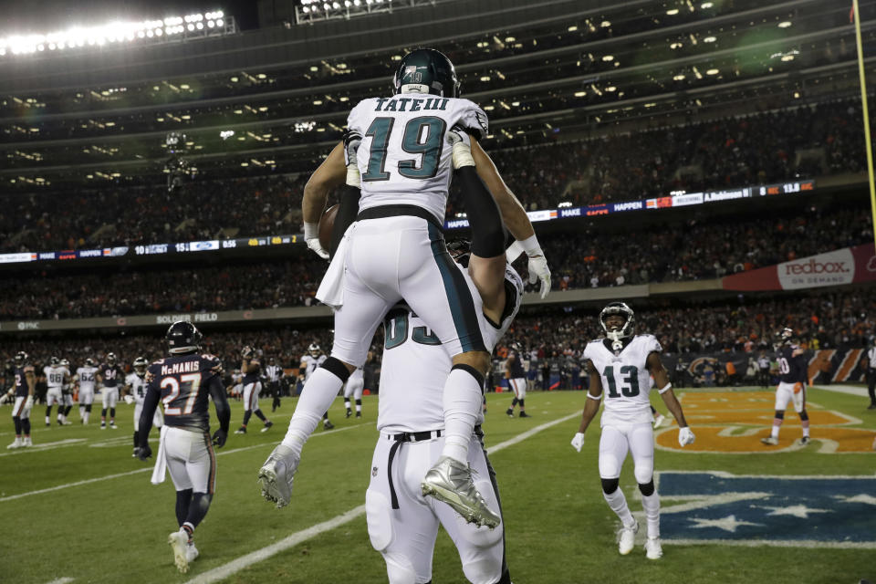 Eagles wide receiver Golden Tate had the winning score, a 2-yard touchdown reception with 56 seconds left. (AP)