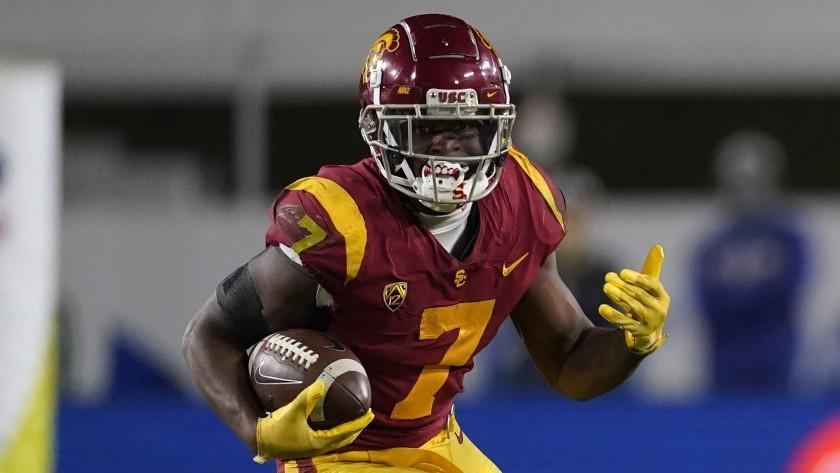 Southern California running back Stephen Carr (7) runs the ball during the second half.