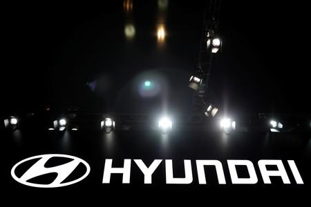 Hyundai Motor agrees wage deal, avoids strike for first time in eight years