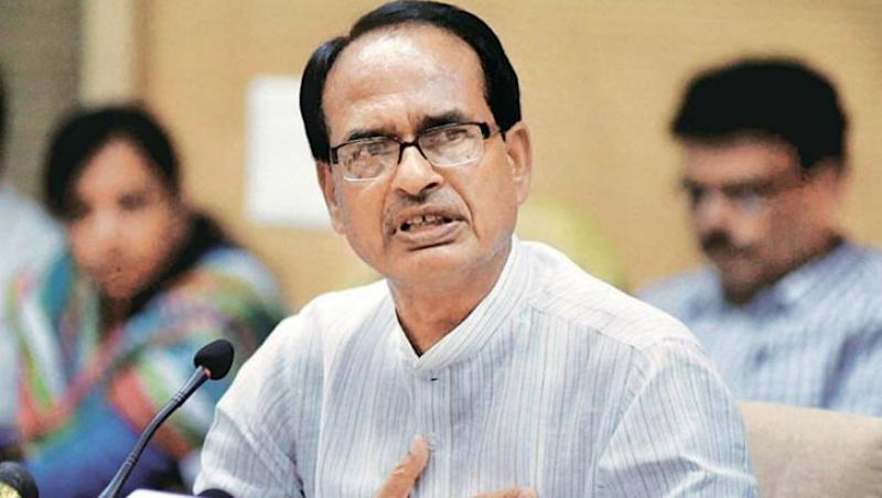 Shivraj Singh Chouhan to Fight Congress' Digvijaya Singh From Bhopal in Lok Sabha Elections 2019? BJP Mulling