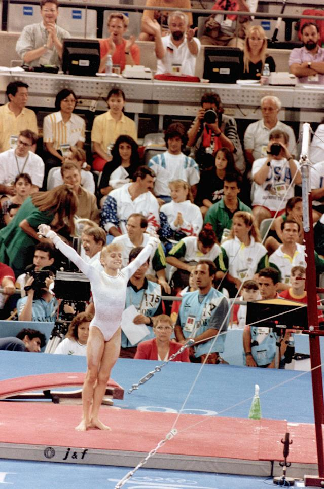 BARCELONA - 1992: Shannon Miller of the United States competes in gymnastics during the 1992 Summer Olympics in Barcelona, Spain. (Photo by Robert Riger/Getty Images)