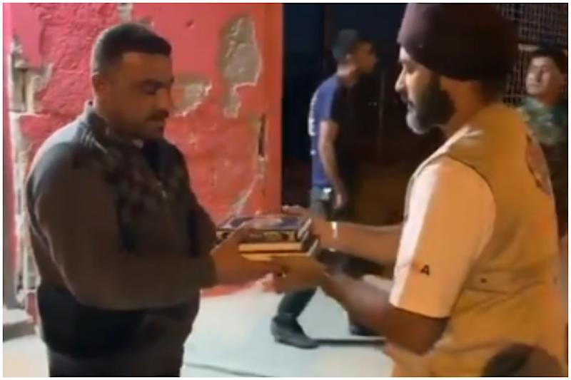 Khalsa Aid Distributes Quran in Refugee Camp in Iraq to Celebrate Ramzan, Wins Hearts AGAIN