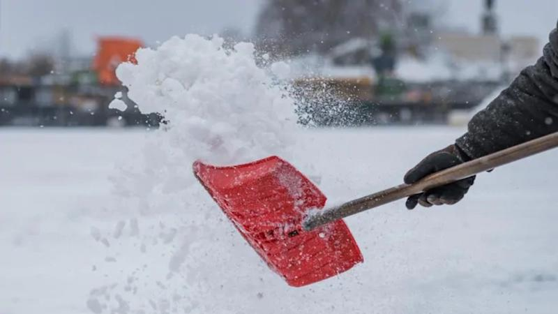 Quebec: Snow moves in Tuesday, temperatures stay close to freezing mark