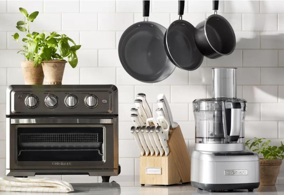 "This Cuisinart cookware set includes a stock pot, sauté pan, two sauce pans and two skillets. So when there's too many cooks in the kitchen, there's plenty of pots and pans to choose from. Plus, this set as a 4.7-star rating over more than 1,000 reviews. <a href=""https://fave.co/32Xzfnd"" target=""_blank"" rel=""noopener noreferrer"">Originally $300, get the set now for $100 at Wayfair</a>."