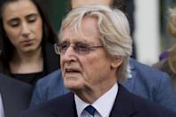 <p>Thanks to tabloid reports in 2014, It emerged that there was a fair bit of disparity between the wages of younger 'Coronation Street' players and the established stars, some of the old guard earning six times as much as more recent arrivals. It was said that the likes of Bill Roache, who's played Ken Barlow for a Guinness Record-breaking 56 years, make in the region of £250,000 a year.</p>